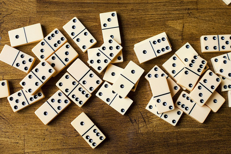 Know About Dominoes And Its Variations