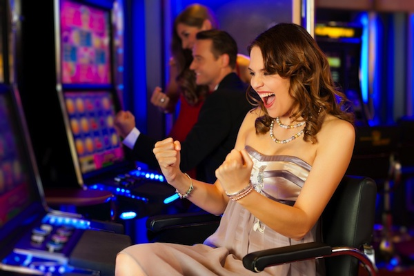 Play and Win Most Popular Casino Games by Learning Rules and Strategies