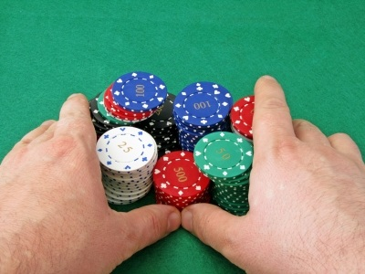 3 Ways to Improve Your Body Language While Playing Poker