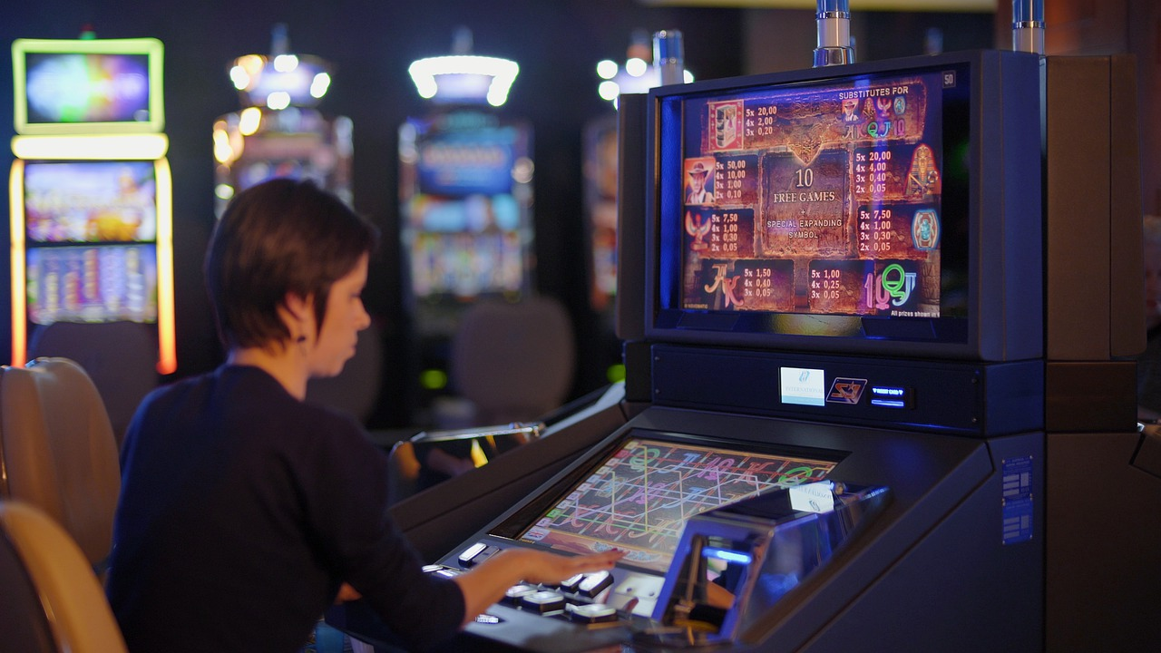 Online slot games and the essential advantages of them