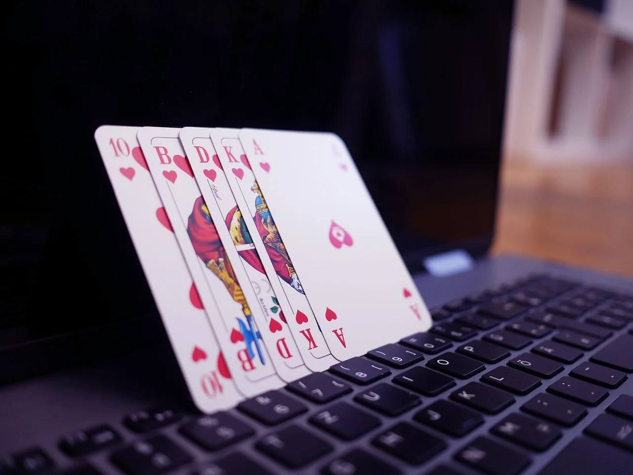 Why is it important to learn strategies for gambling fun on the internet?
