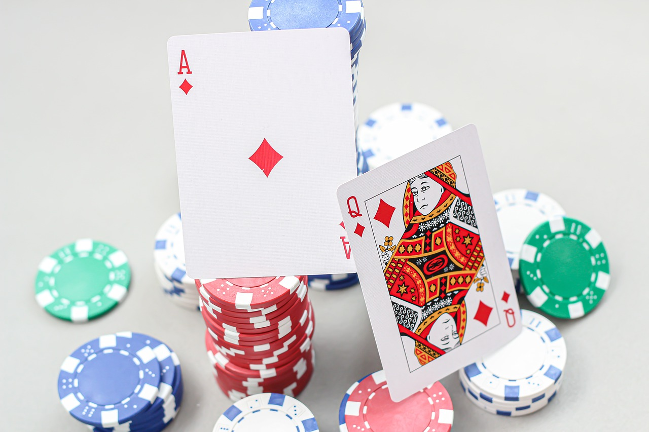 Which is the best live or online casino?