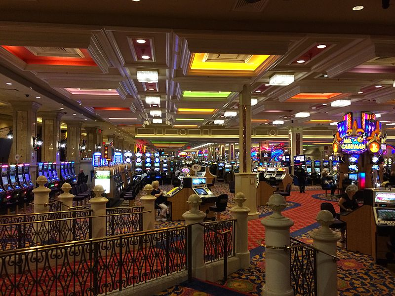What Are the Benefits Offered by Online Casinos?