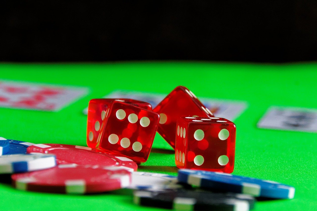 Know About Diverse Advantages Of Gambling Online