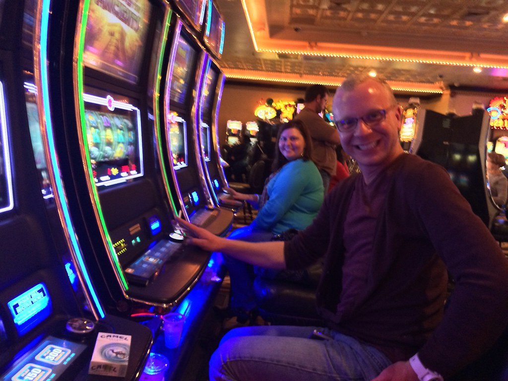 A Few Easy Tips for Playing Slots